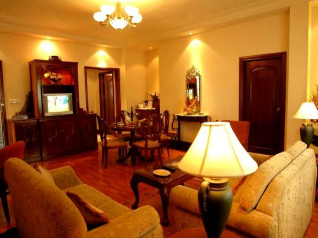 Ganga Kutir Resort & Spa, Kolkata, India - Photos, Room