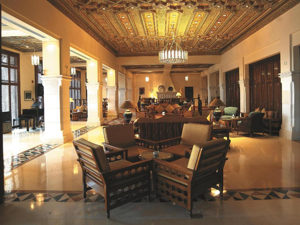 Lobby Movenpick Resort & Spa Dead Sea