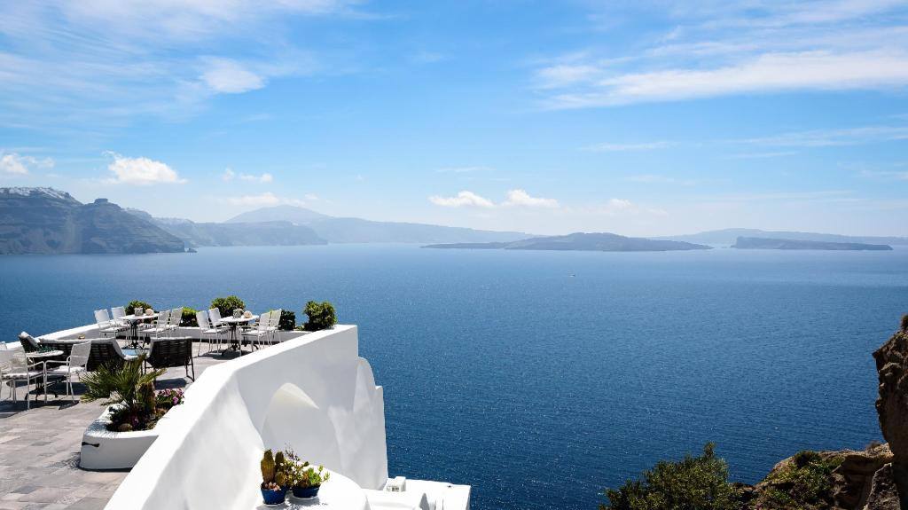 Book Aris Caves Hotel In Santorini Greece