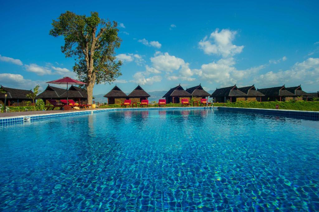 Swimming pool [outdoor] Pristine Lotus Resort - Inle