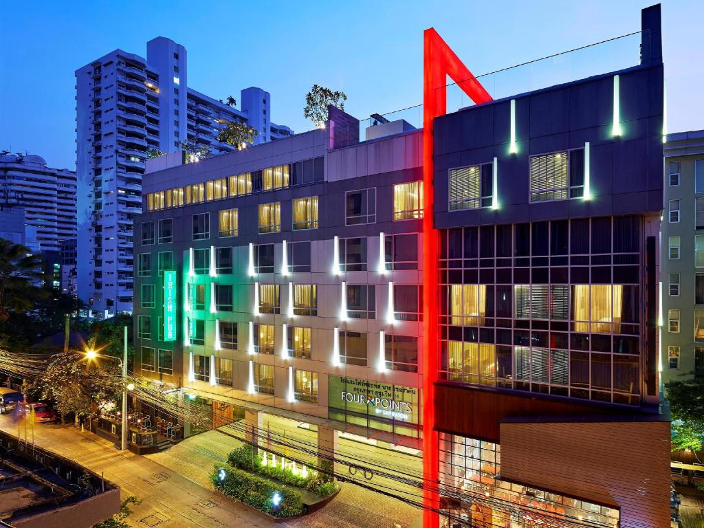 Four points by sheraton bangkok sukhumvit 15 hotel in for Hotel bangkok