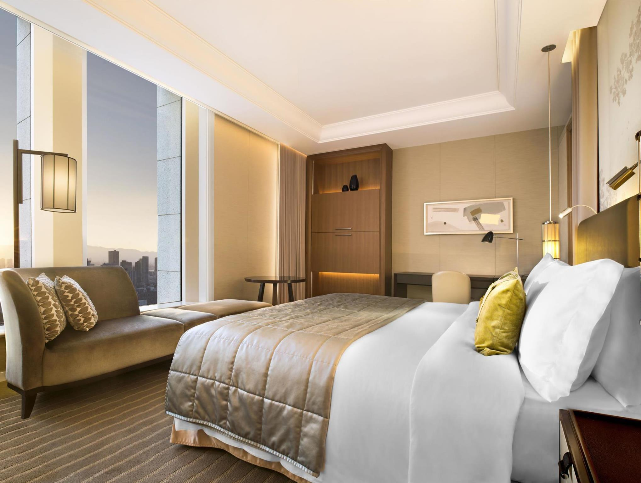 Grand Deluxe King, Guest room, 1 King, City view