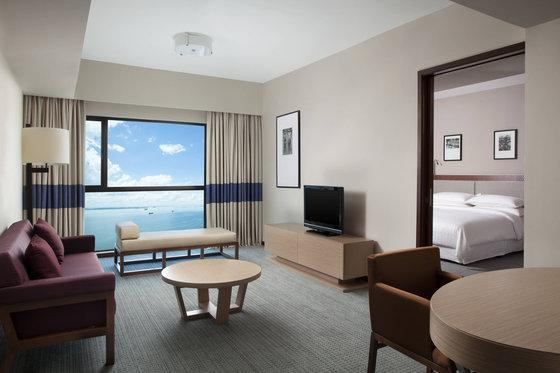 Premium Suite, 1 Bedroom Larger Suite, 1 King, Sea view