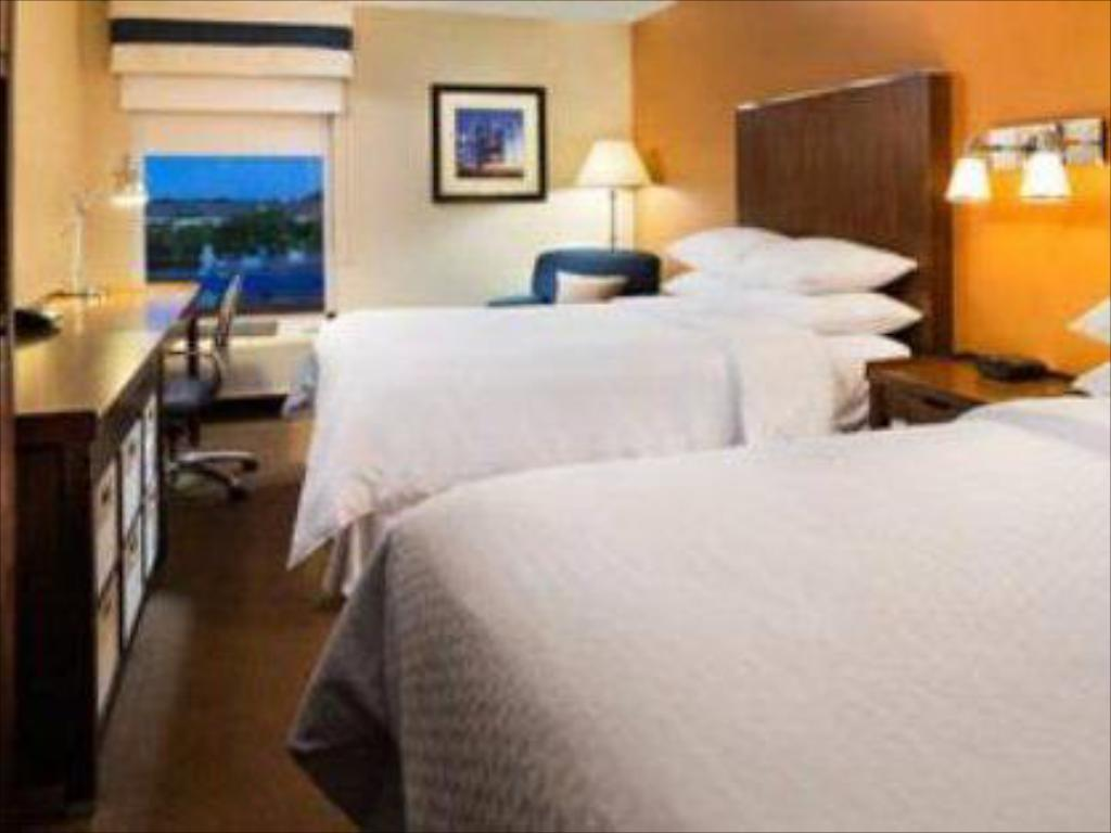 Double with 2 Double Beds Four Points by Sheraton Mall of America Minneapolis Airport