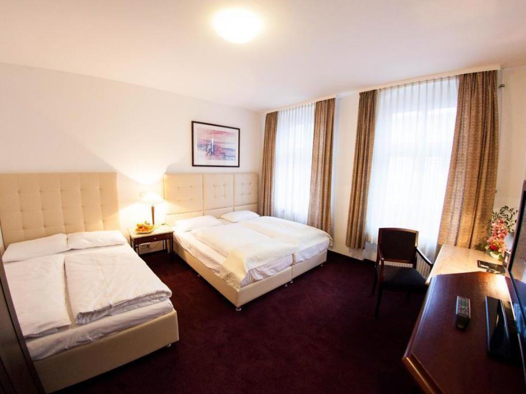 More about Hotel Prens Berlin