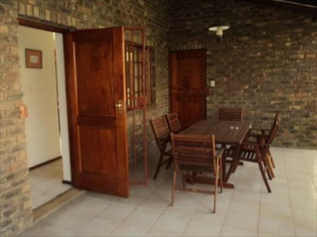 Interior view African Footprints Lodge