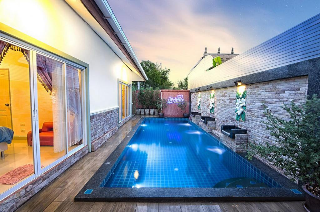 Swimming pool [outdoor] Jing-Jai pool villa 3bedrooms