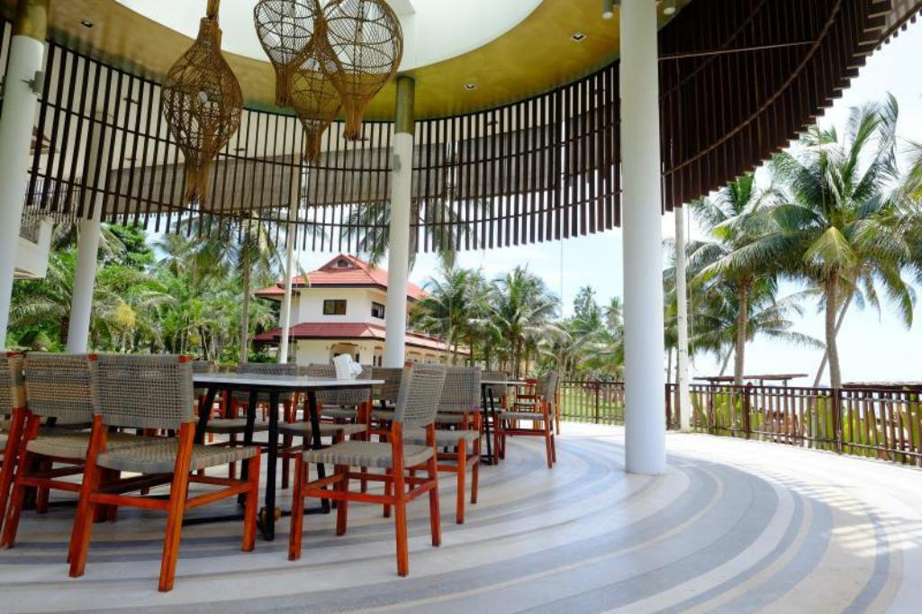 Интерьер Bansaithong Beach Resort