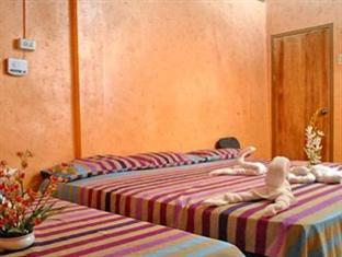 Barkadahan Room (good for 5 persons)
