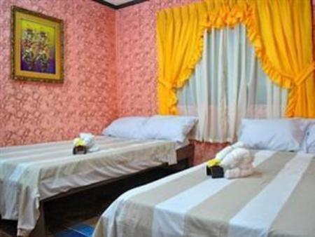 Quadruple Room - Guestroom Annabelle's Pension