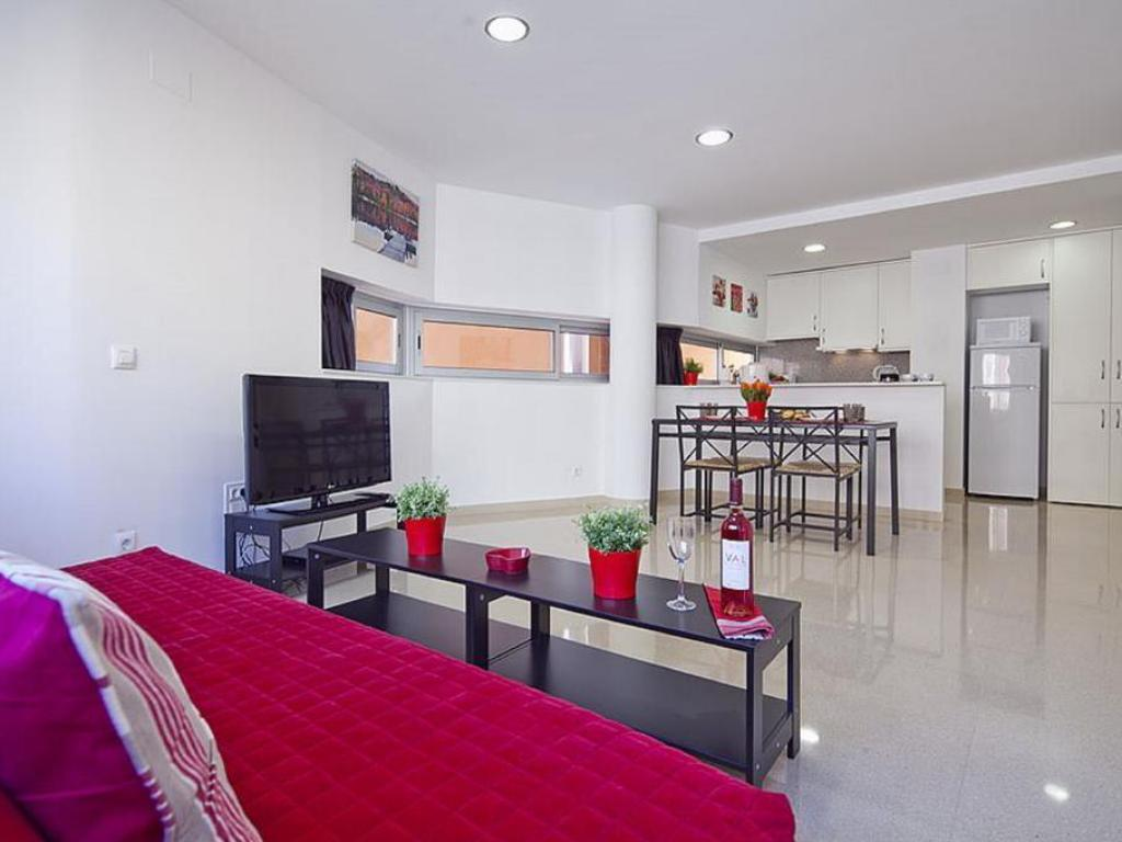 Best price on charmsuites paralel apartments in barcelona reviews for 1 bedroom apartment barcelona