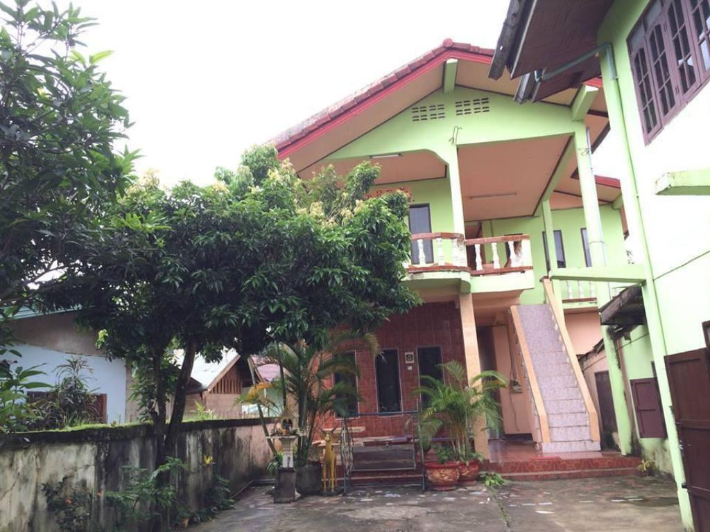 More about Sisombat Guest House