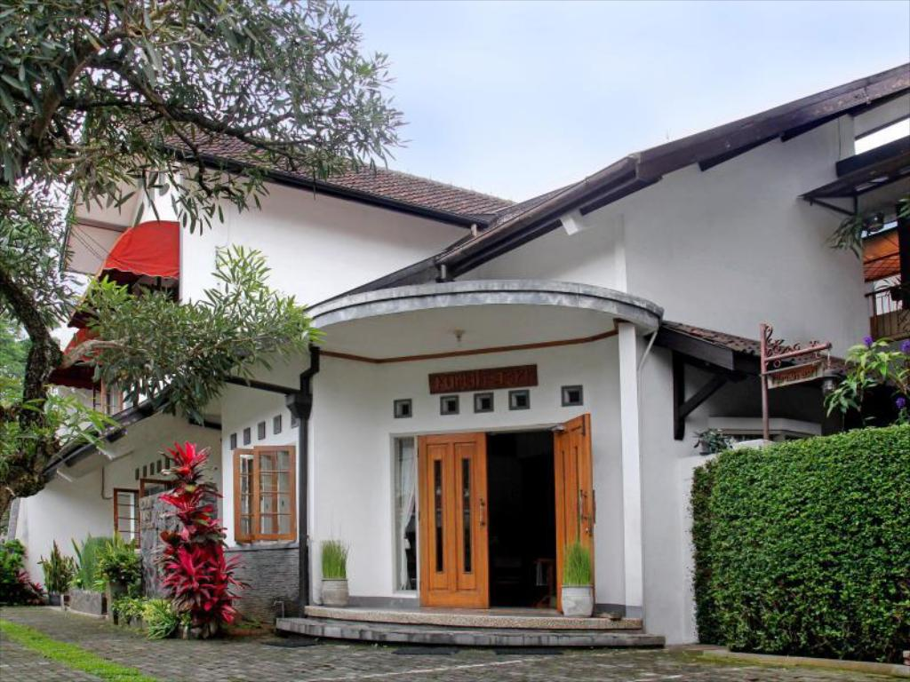 More about Rumah Asri Bed & Breakfast