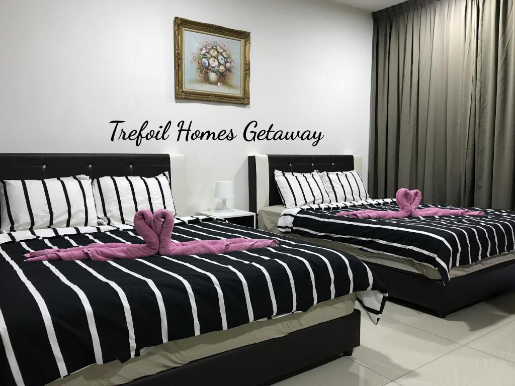 Apartment 4 pax Homes Getaway @ Trefoil Setia Alam F20
