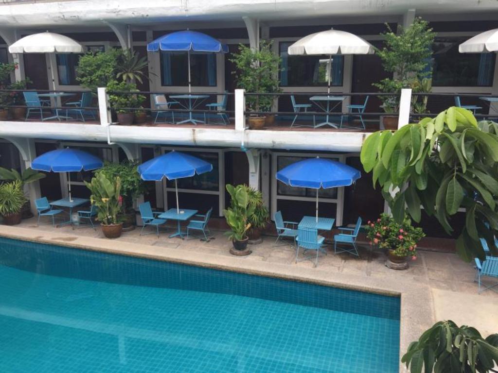 Mid Town Inn in Pattaya - Room Deals, Photos & Reviews