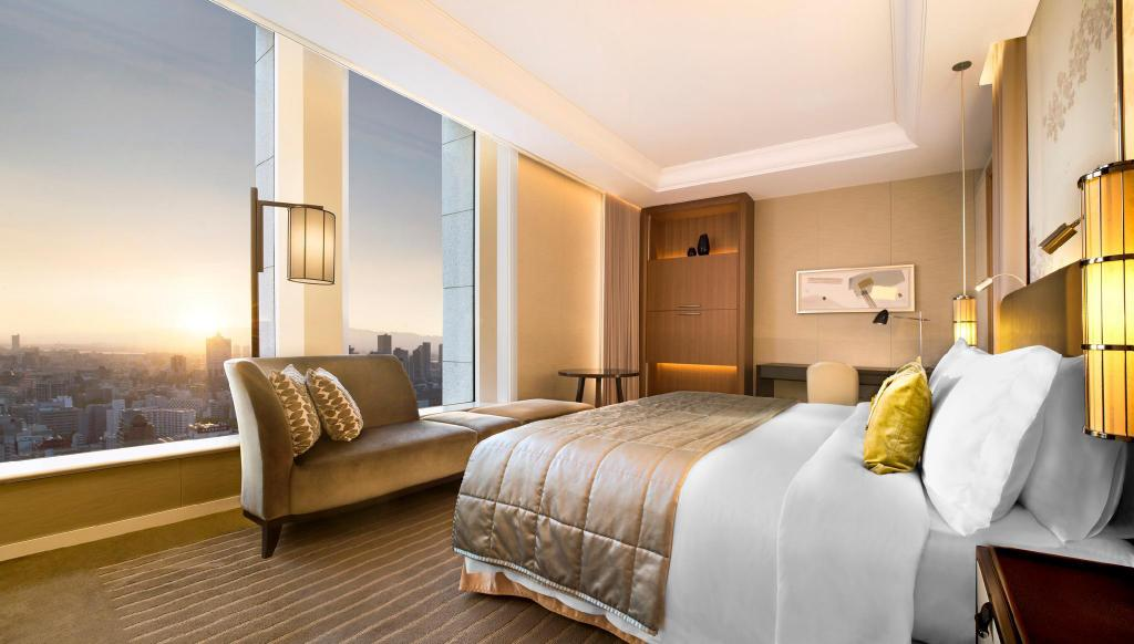 Skyline Grand Deluxe King, Guest room, 1 King, Skyline view - 床