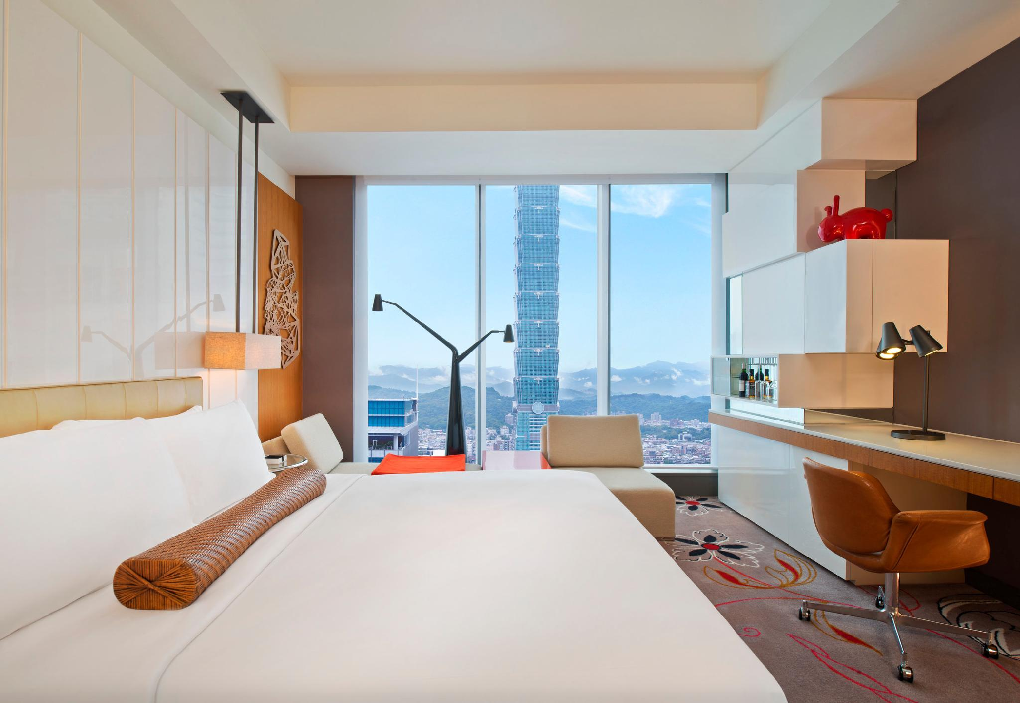 Spectacular King Room, Guest room, 1 King, TAIPEI 101 view