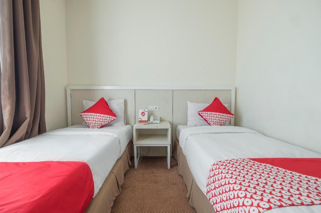 Oyo 1114 Hotel Denpasar Makassar In Indonesia Room Deals