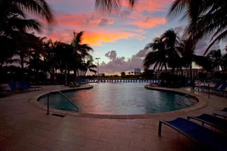 Swimming pool [outdoor] DoubleTree Resort by Hilton Hollywood Beach