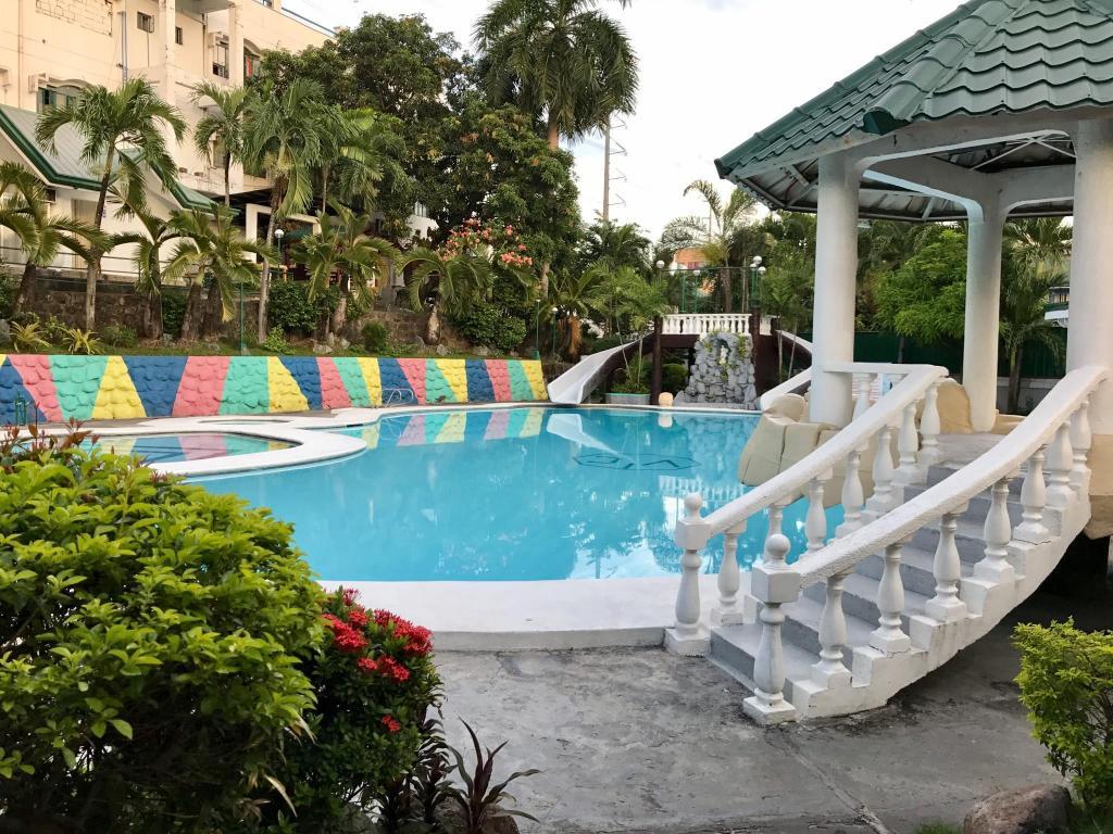 Best price on v resort dasma in cavite reviews - Playmobil swimming pool best price ...