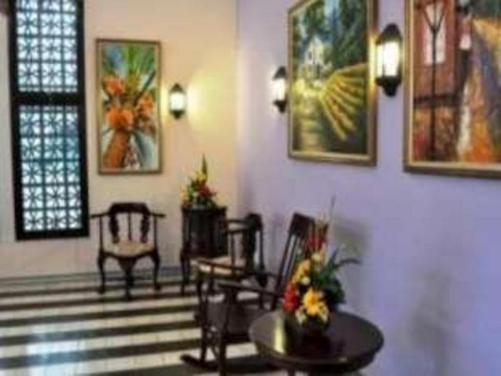 Best Price On Hotel Gajah Mada 100 In Semarang Reviews