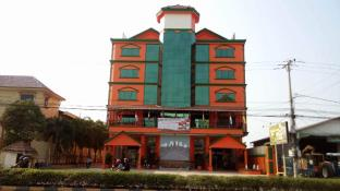 Dewey International Hotel