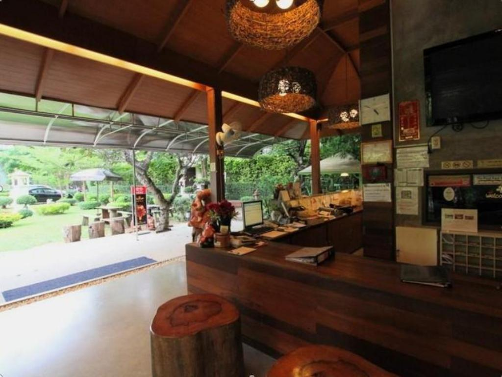 Lobby River Kwai Bridge Resort