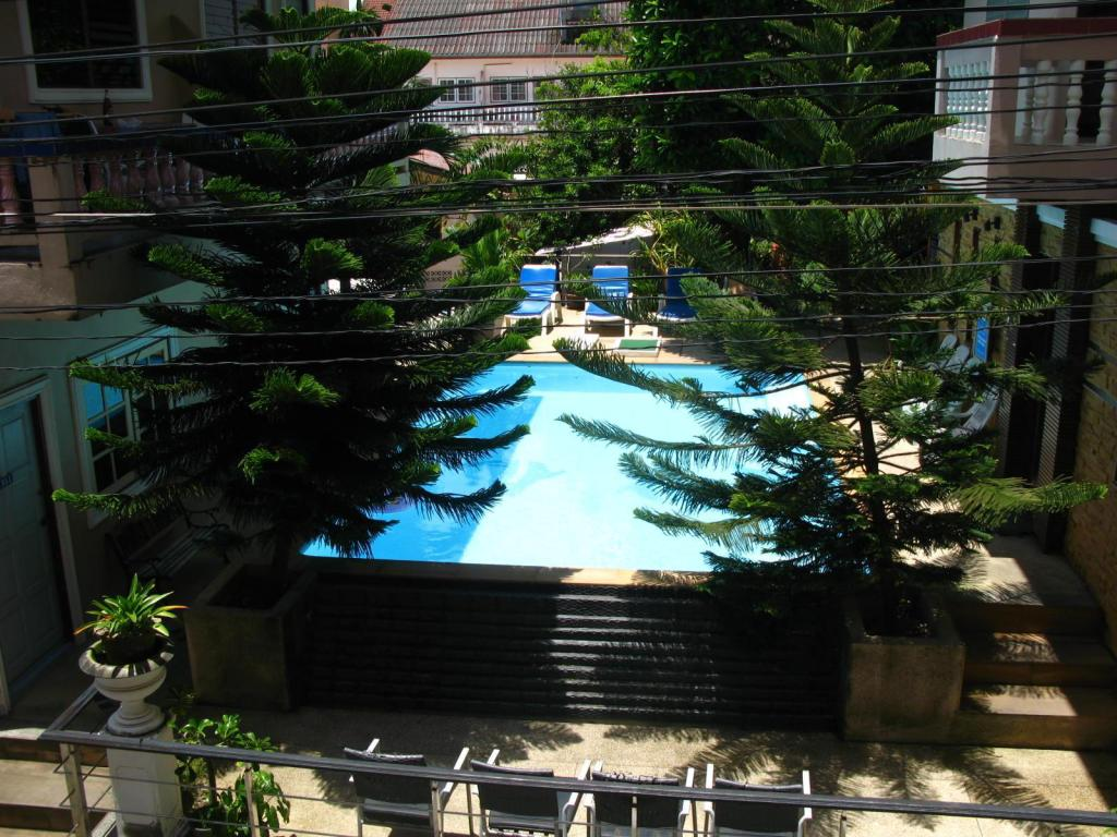 Swimmingpool Kanchana Garden Place