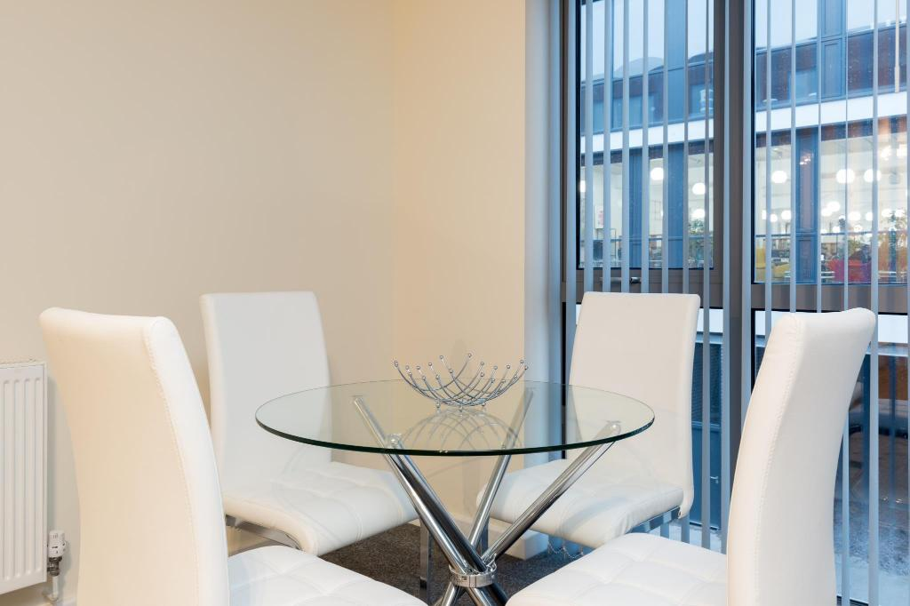 Dining room/area Birmingham Serviced apartment- Wexler Lofts