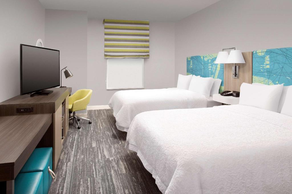 2 Queen Accessible with Tub Non-Smoking - Guestroom Hampton Inn Miami - Airport East