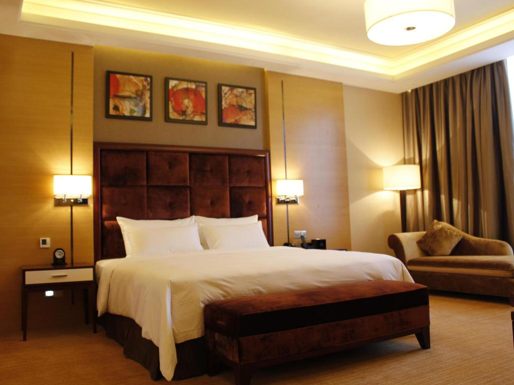 Venus Royal Hotel (Kirin Parkview Hotel) in Shenzhen - Room Deals ...
