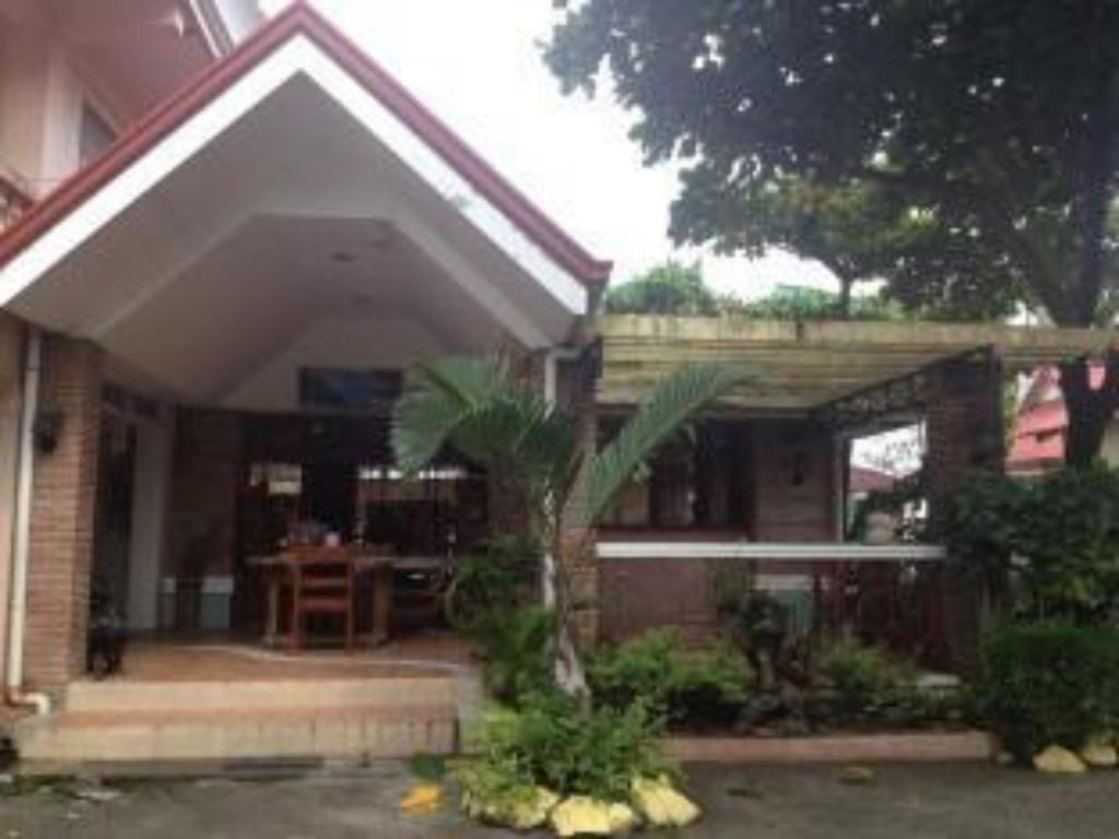 Best price on nora 39 s beach resort in subic zambales for Terrace hotel subic