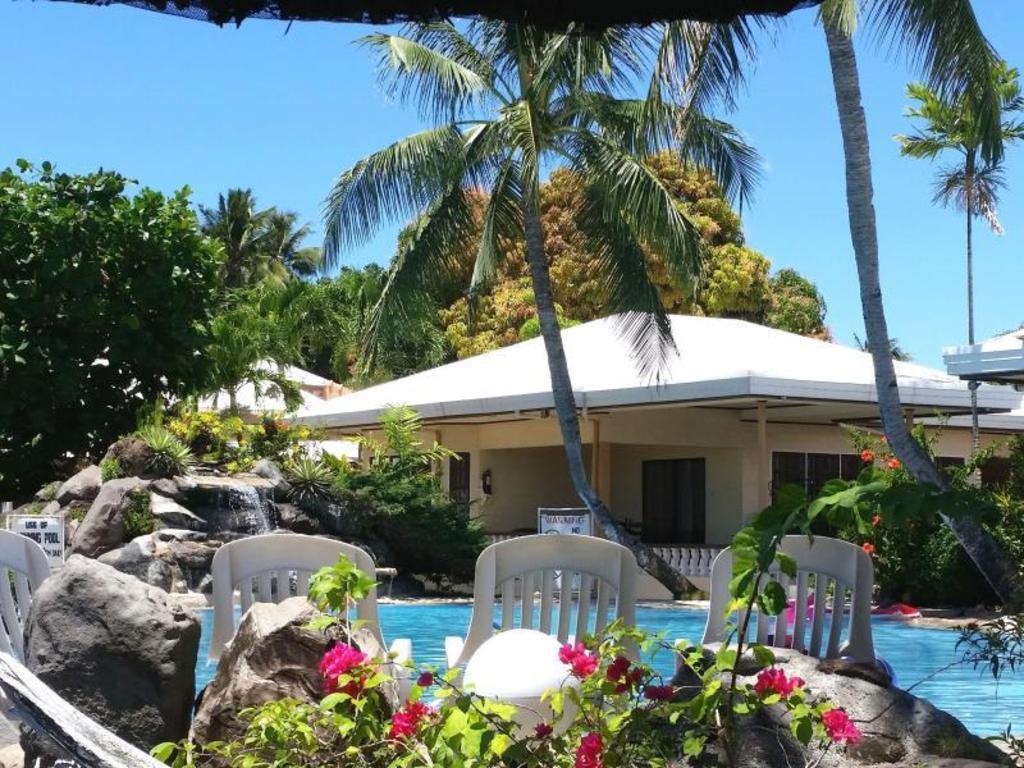 Swimming Pool Paras Beach Resort