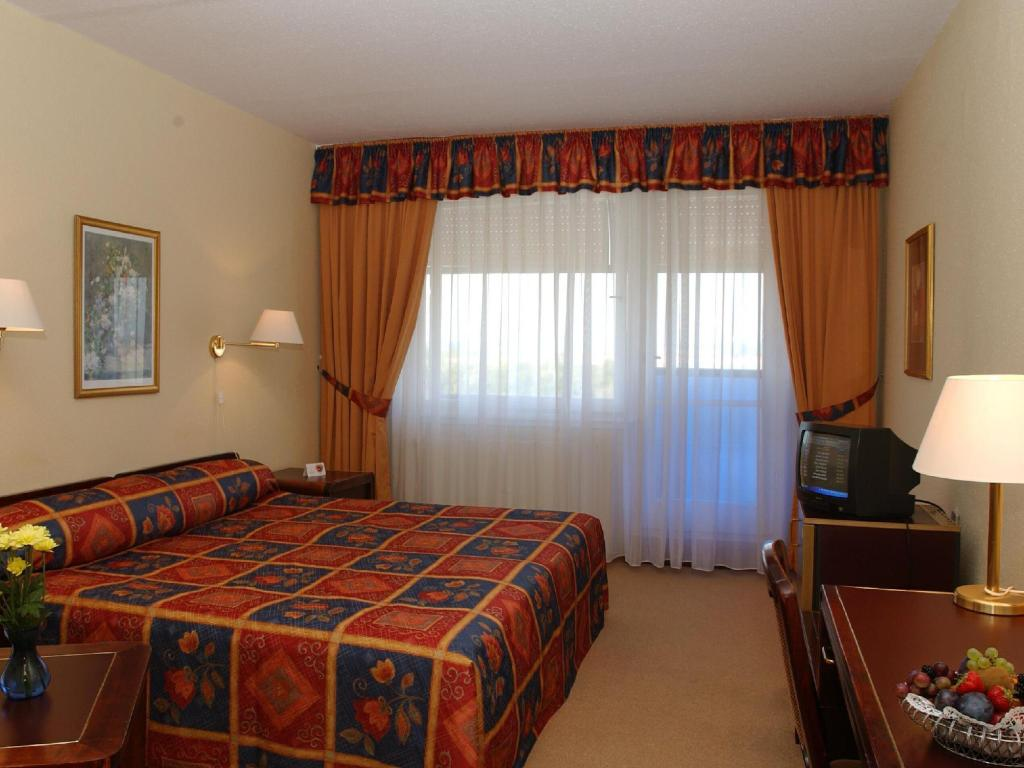 Single Room - Guestroom Hunguest Hotel Repce