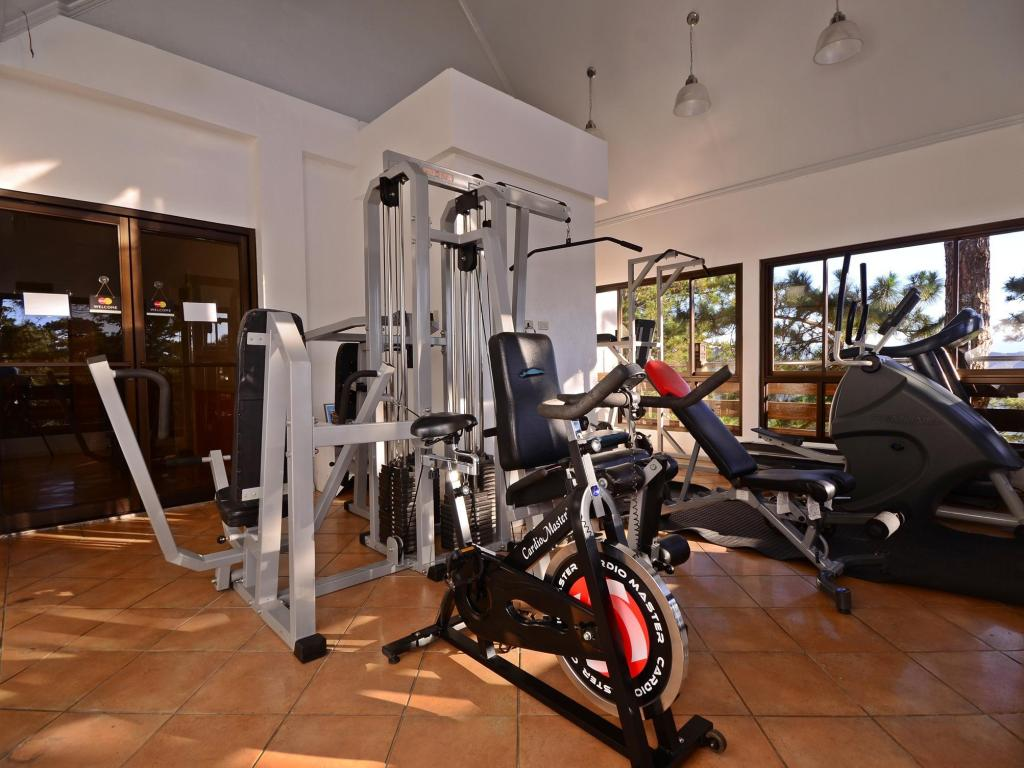 Fitness center Mines View Park Hotel
