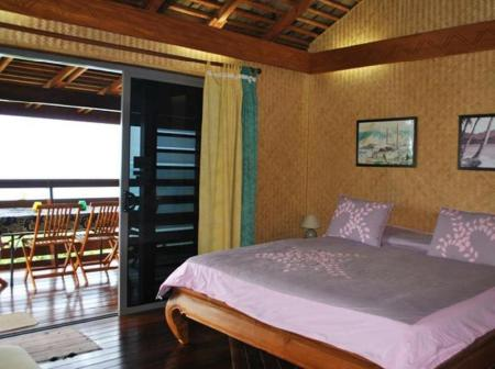 Bungalow with Lagoon View Pension Fare d'hotes Tehuarupe
