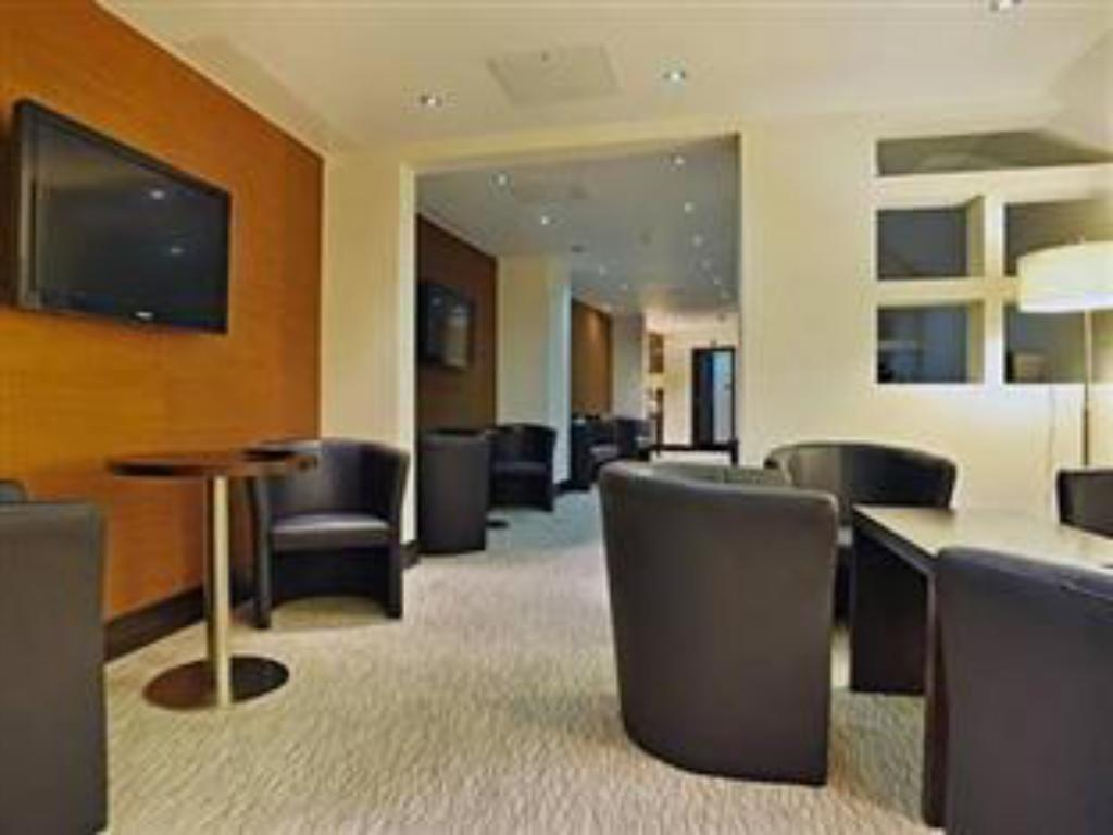 Hall London City Suites