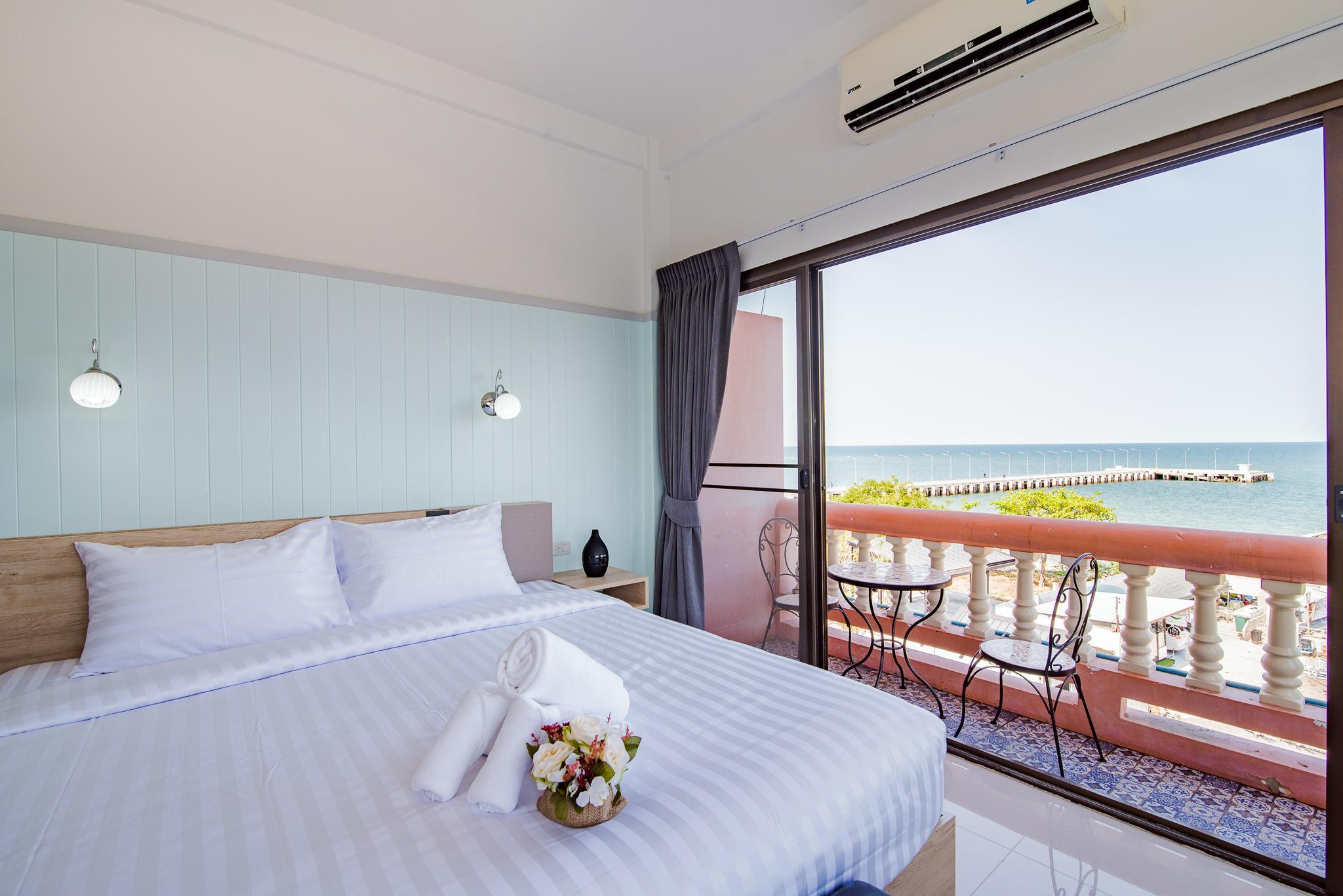 Deluxe Sea View Balcony Room