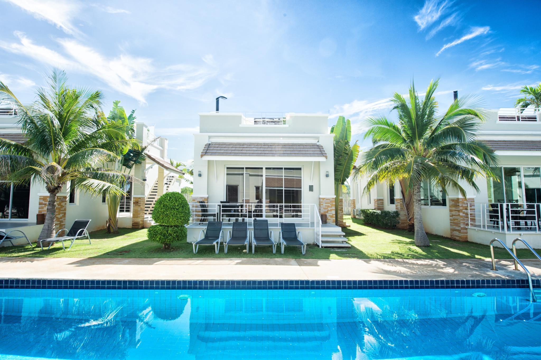 Best Price on Oriental Beach Pearl Resort in Hua Hin / Cha-am + Reviews!