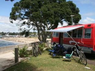 Takapuna Beach Holiday Park
