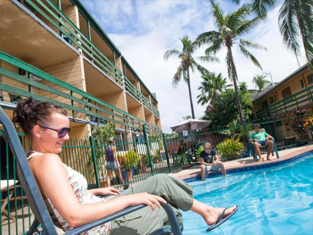 Pool Airlie Beach YHA