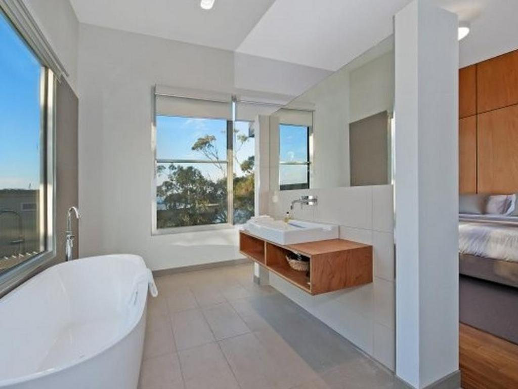 Bathroom Coastal Break Holiday House