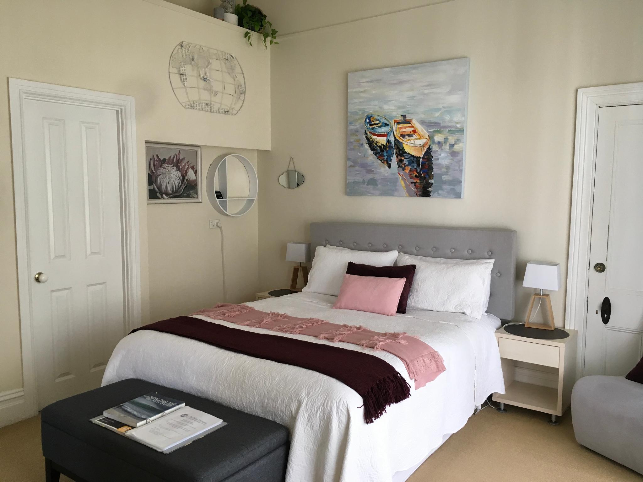 King Bed   Bedroom Chelsea House Bed U0026 Breakfast
