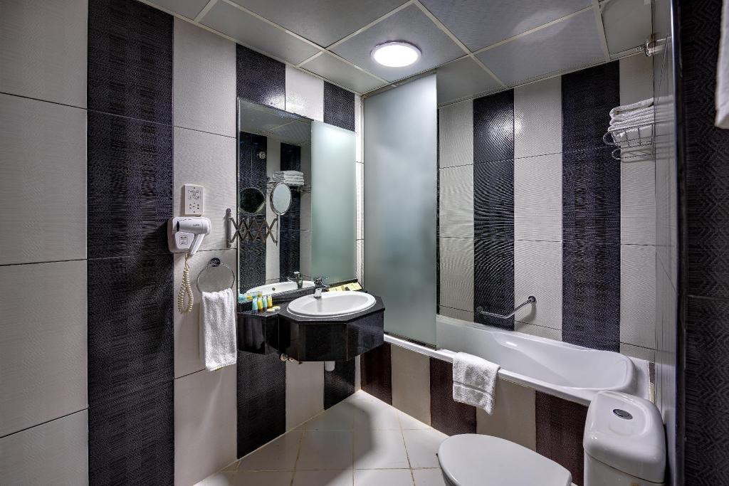 Suite King - Bathroom Delmon Palace Hotel