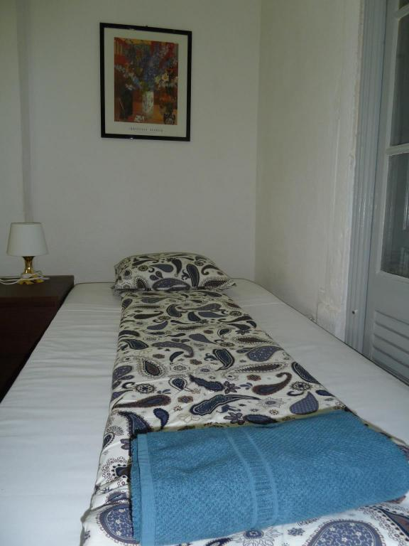 Comfort Single Room - Bed Midtown Guest House