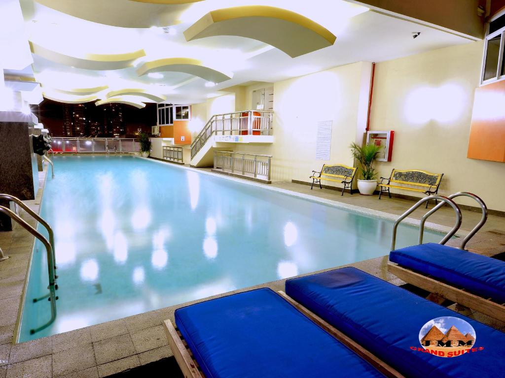 Swimming pool JMM Apartment Suites