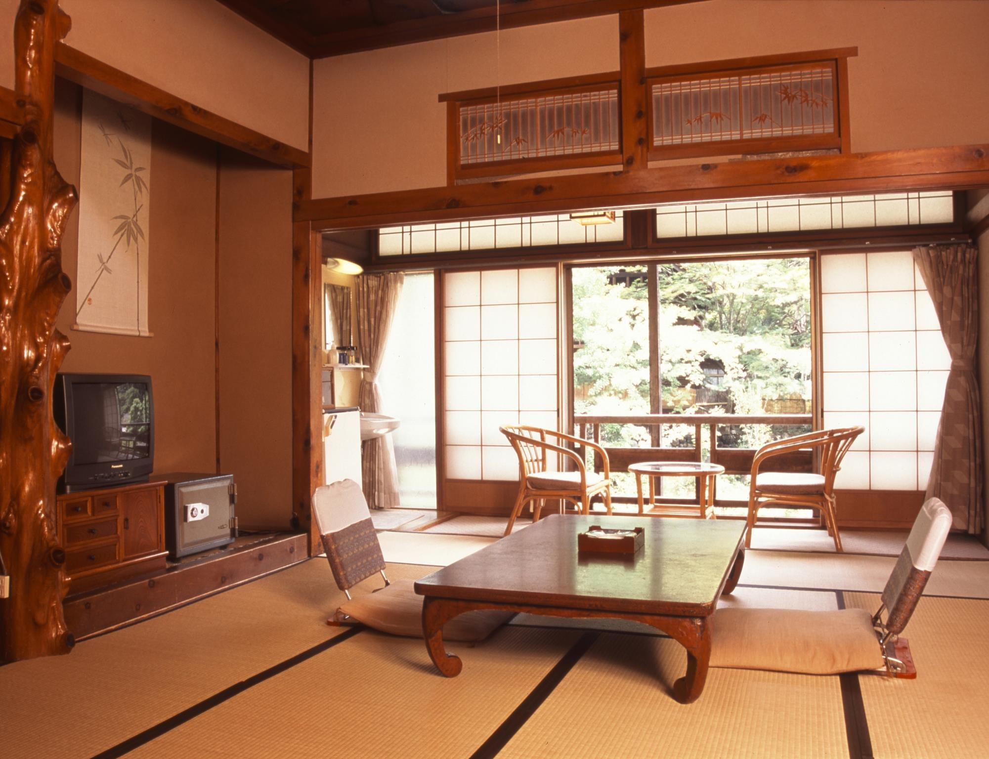 Japanese Style Annex with Shared Bathroom