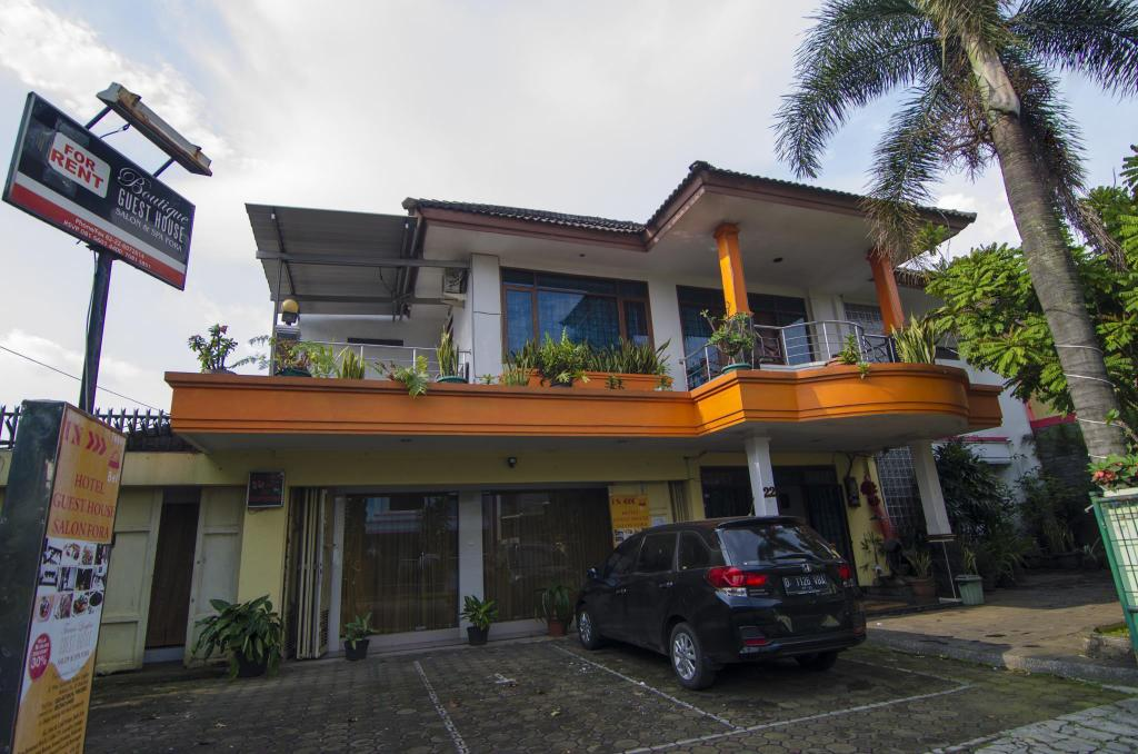 521aaddd7e Best Price on Fora Guesthouse Taman Lingkar in Bandung + Reviews!