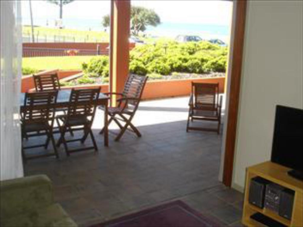 One Bedroom Apartment with Patio - Balcony/terrace Lennox Point Holiday Apartments