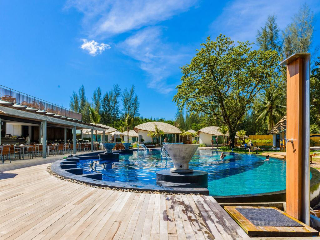 Swimming pool [outdoor] Mai Khao Lak Beach Resort & Spa